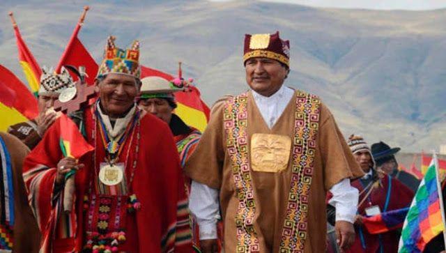 """EVO MORALES DESTACO LA LUCHA HISTORICA DE LOS PUEBLOS INDIGENAS Revoluciones democráticas en defensa de la Tierra El presidente de Bolivia Evo Morales destacó la lucha de los pueblos indígenas que resisten a invasiones y hacen revoluciones democráticas a propósito de la celebración del Día Internacional de los Pueblos Indígenas establecido por la Organización de las Naciones Unidas (ONU) en 1994.El primer mandatario indígena de Bolivia escribió a través de Twitter que """"en el Día…"""