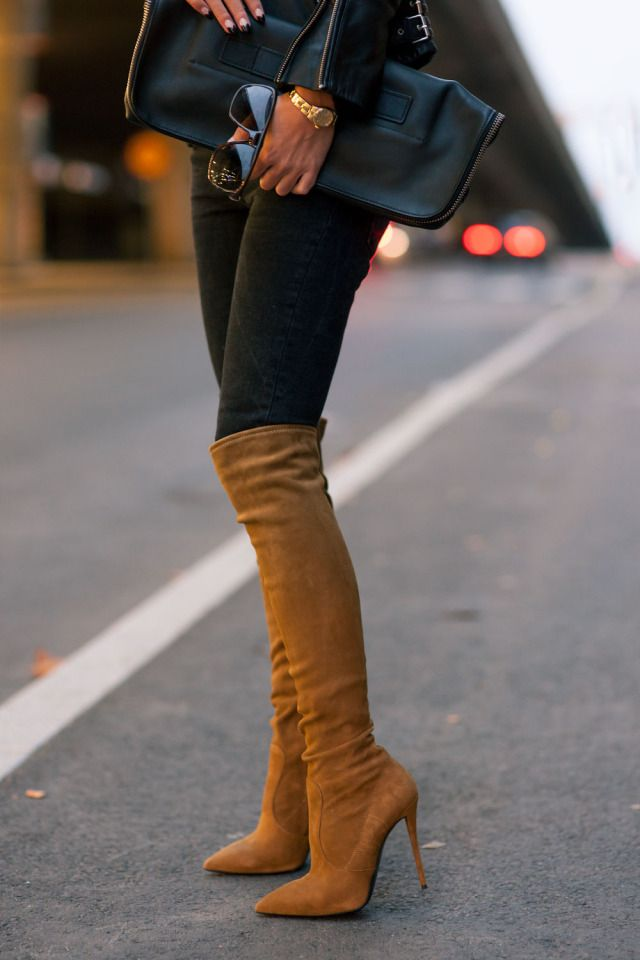 Johanna Olsson is wearing a pair of over-the-knee-boots from Giuseppe Zanotti