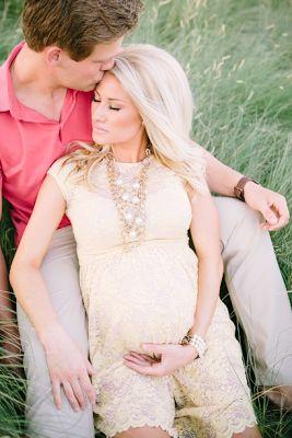 Alexa Jean: Maternity Photos // Courtney Sargent Photography...love this dress!