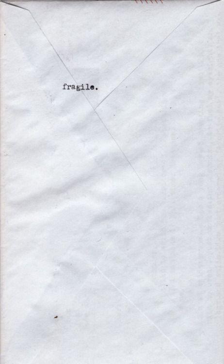 Etre fragile et réaliser que certains n'en ont rien à faire.