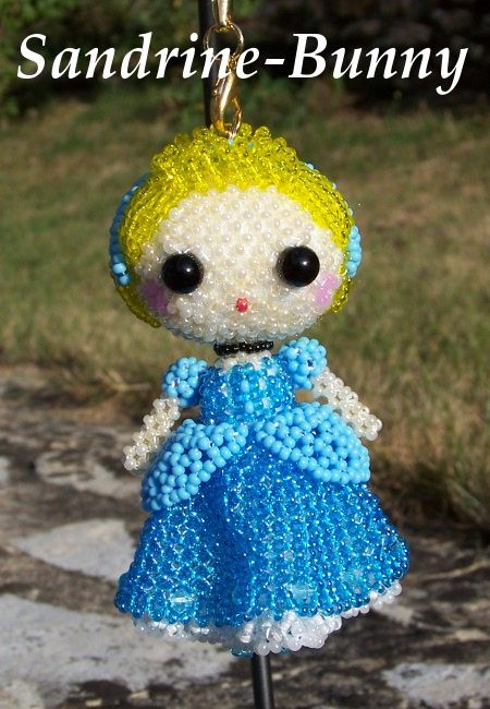 Beaded Cinderella by Sandrine Bunny  http://lesperlesdebunny.free.fr/