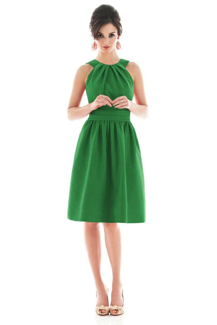 Vintage look, but still modern: Colors Pop, Short Bridesmaid Dresses, Green Bridesmaids, Halter Bridesmaid Dresses, Green Dress, Prom Dress, Bridesmaid Dresses Colors, Cute Bridesmaid Dresses, Green Bridesmaid Dresses