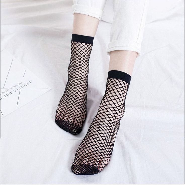 2017 New Fashion 1 Pair Sexy Women Girls Fishnet Ankle High Socks Lady Mesh Lace Ruffle Fish Net Short Pearl Summer Spring Hot