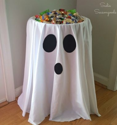 Ghost tables - easy & quick Halloween party decor // Szellem asztal - egyszerű halloween buli dekoráció gyerekeknek // Mindy - craft tutorial collection // #crafts #DIY #craftTutorial #tutorial #HalloweenCrafts #Halloween #DIYHalloweenDecor #DIYHalloweenCostumes