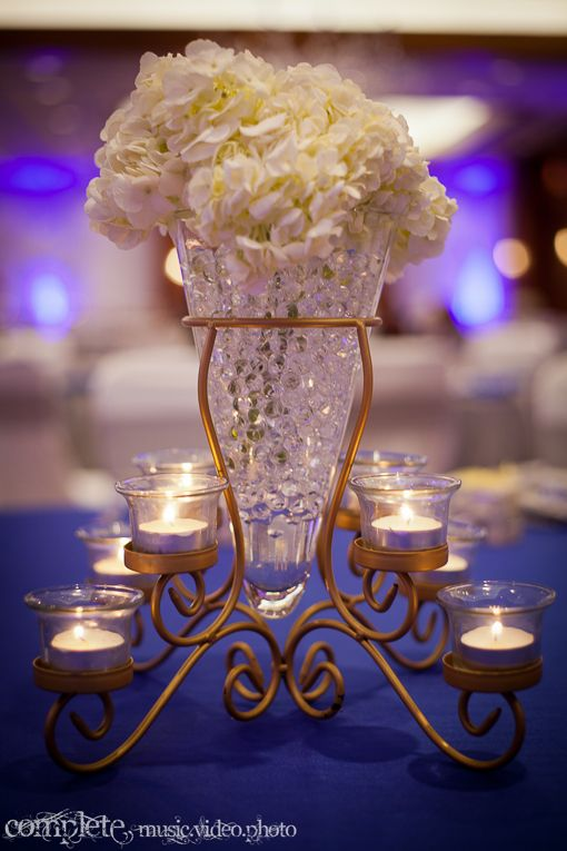 Blue and White Indian Wedding Reception with Om Cake - 4 - Indian Wedding Site Home - Indian Wedding Site - Indian Wedding Vendors, Clothes, Invitations, and Pictures.