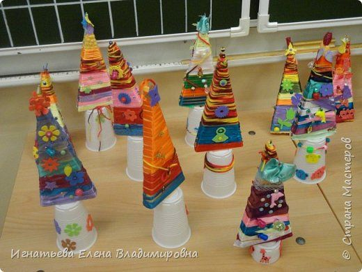 Поделка изделие Новый год Урок труда в 3 классе Наш сказочный лес  фото 3
