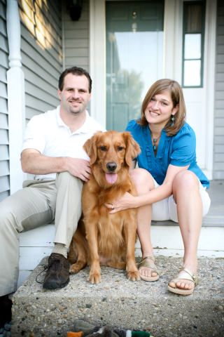 Homestay host Erin in West Side Bloomington with her golden retriever.