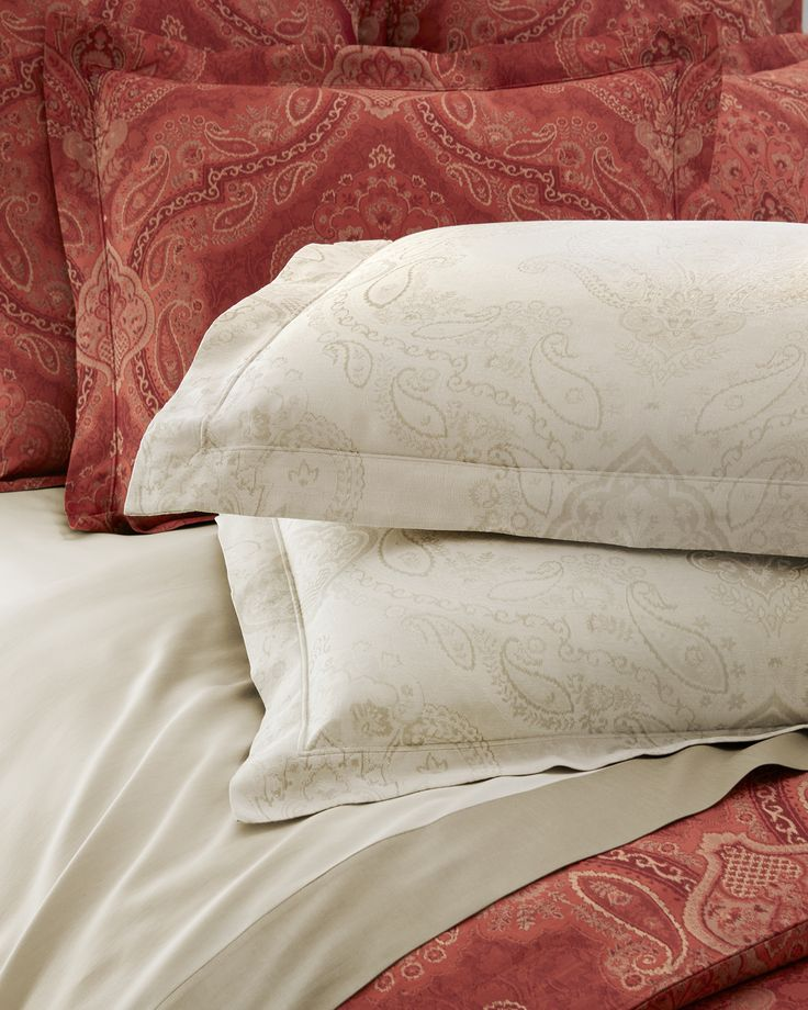 Woven jacquard Miretta is a bed fit for royalty