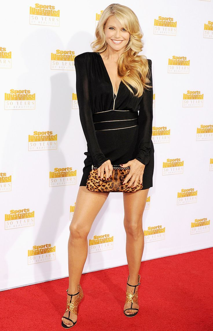 How does Christie Brinkley look so amazing and always have great hair? (The secret is Hair2Wear)!