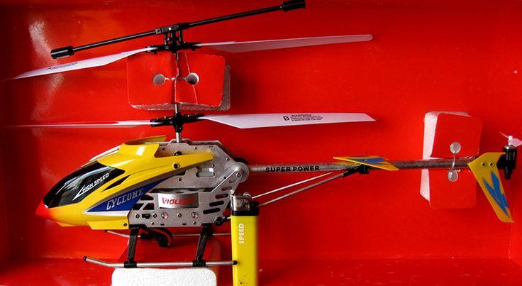 Helicóptero a control remoto grande. 42 x 20 cms - 3.5 canales, giroscopio, multidireccional, incluye manual.