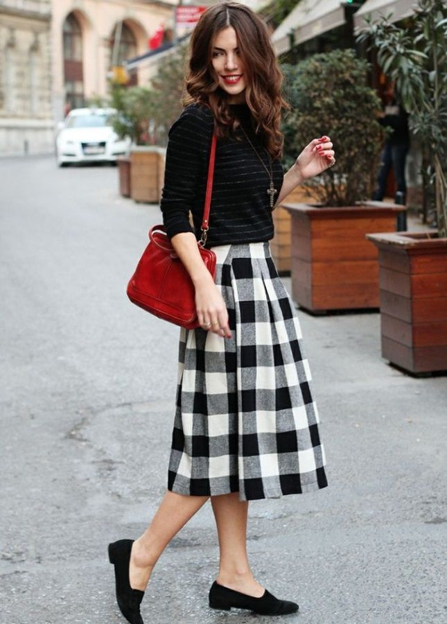 Love this midi skirt and loafers combo.