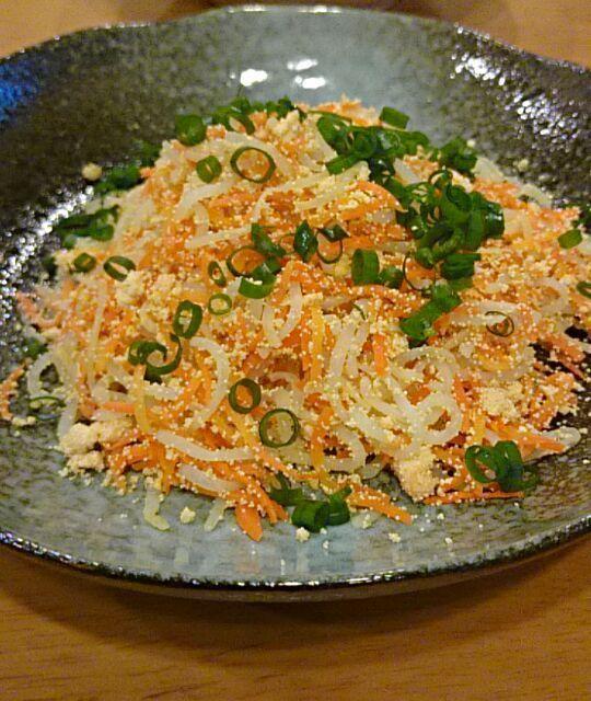 皆さん作られていて、リピされている方も見えたので作りたくて☆つけていました。 いい塩加減にしらたきの食感!しかもこの綺麗な彩り!ビールすすみます。 美味しいレシピをありがとうございます(^○^) - 60件のもぐもぐ - 中田順一さんのしらたきの紅葉きんぴら・枝豆・セロリっ酢 by Kei804