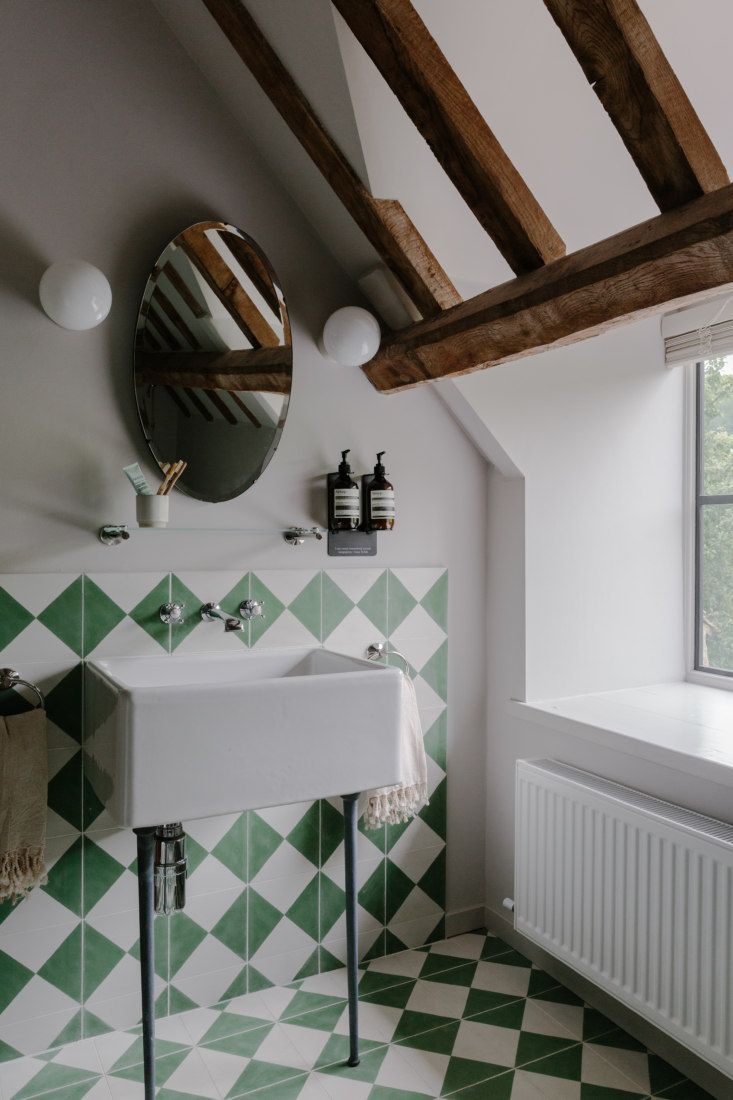 Cotswold Farm Hideaway A Swiss Family S Cottages For Let In The English Countryside In 2020 Bathroom Decor Home Bert And May Tiles