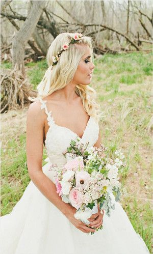 Love her dress, love the bridemaids dresses, love the gold (could do a rose gold!)
