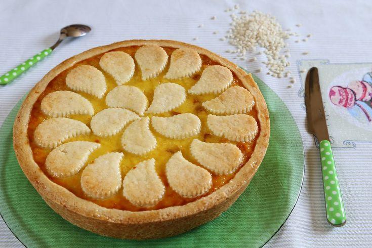 """Per una torta da 28 cm di diametro Per la pasta frolla (da """"Le dolci tentazioni"""" di Luca Montersino): 600 g di farina di riso 300 g di burro 240 g di zucchero semolato  120 g di uova 6 g di scorza d'arancia 1 baccello di vaniglia"""