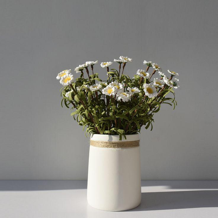Modern minimalist style desktop ceramic flower vase