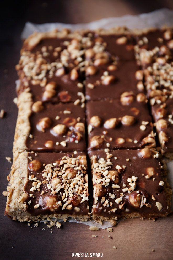 Mazurek czekoladowy z orzechami laskowymi