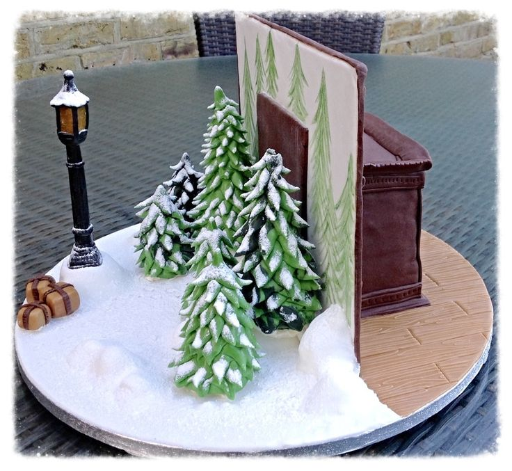 The Witch Themed Party: Hayley Halls Designs - Fantasy Narnia Cake