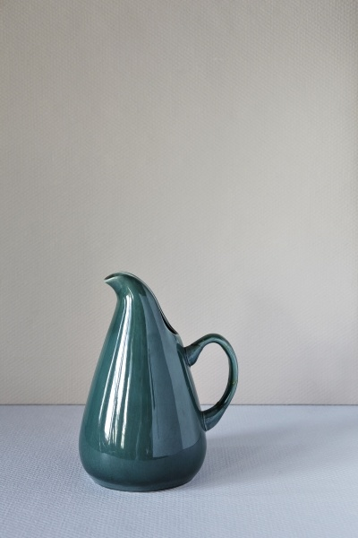 love the shape of this russel wright pitcher