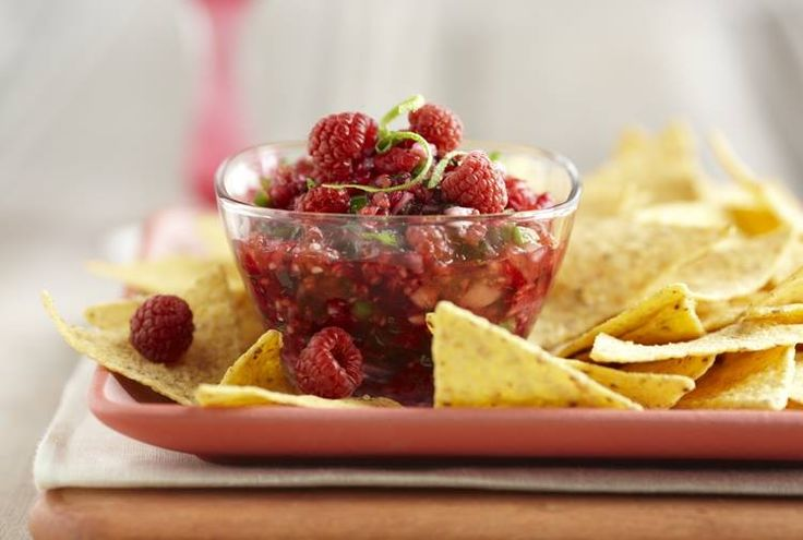 Summer bikini body secrets: A cup of raspberries has a whopping 8 grams of fiber—and for only 64 calories. Another boon: some of the fiber is soluble—in the form of pectin, which helps lower cholesterol. Try a raspberry salsa dip for that added zip to your nachos! SHARE this with your friends counting the calories this summer!