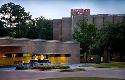 Doubletree Hotel Houston Intercontinental Airport, TX - Hotel Exterior