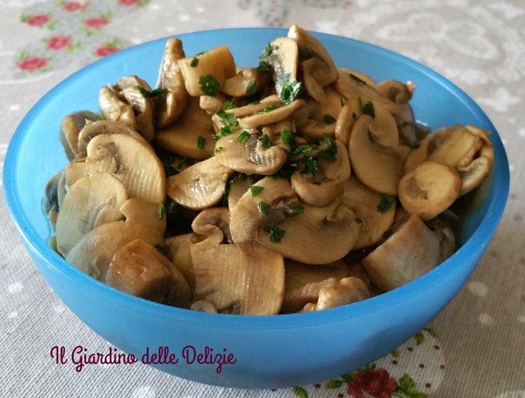 Gli champignon al microonde sono oltremodo versatili, per risotti, paste, creme per tartine, contorni, muffin, torte salate e velocissimi da preparare .