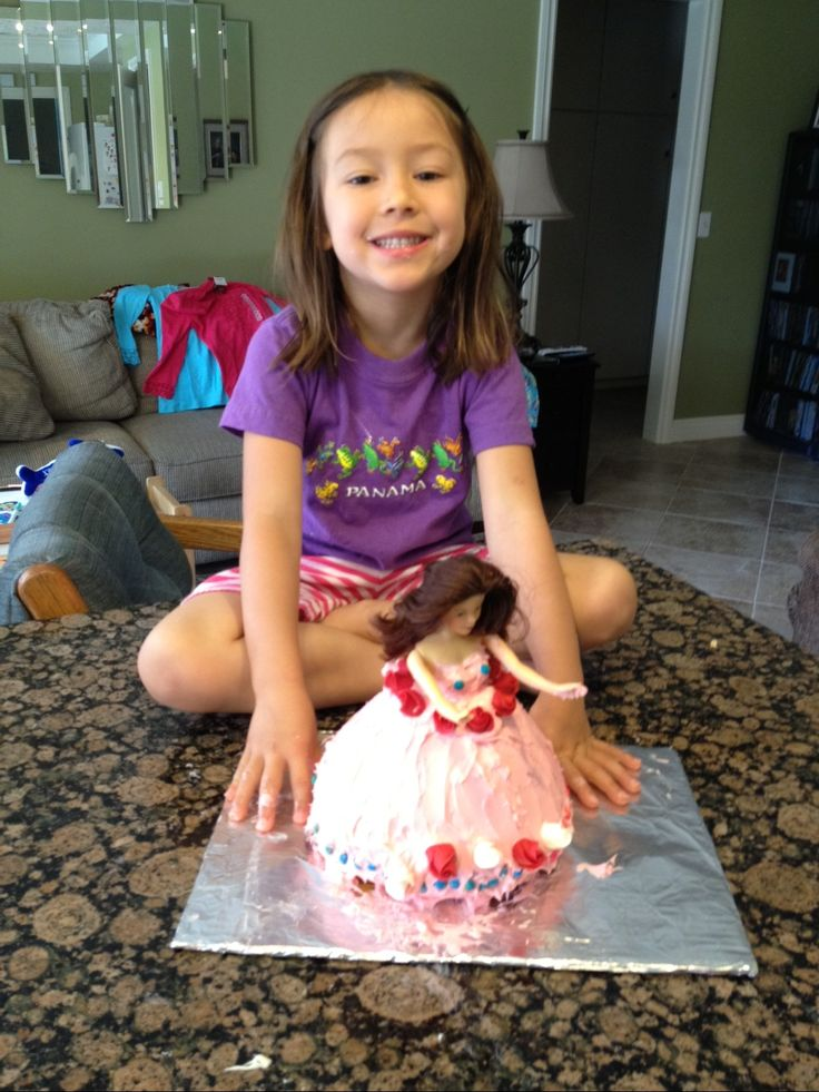Shaianne made a princess cake all by herself 2012