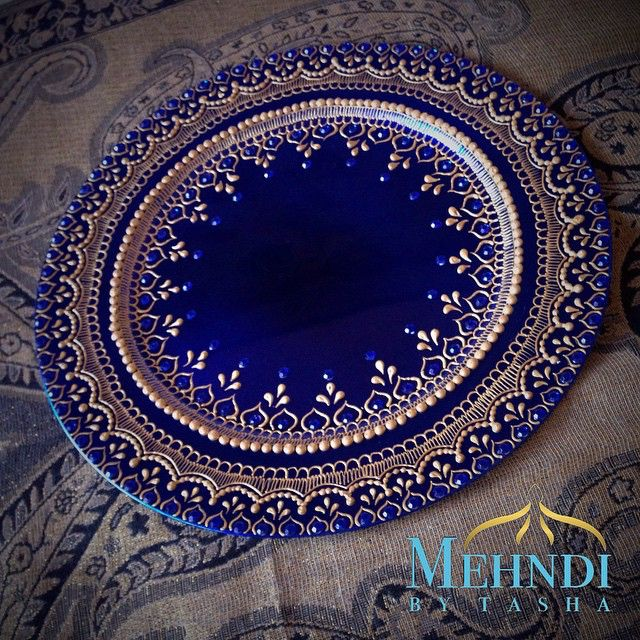 Royal blue and gold thaal  * • £13.50 + £4 postage • * To make an order:  DM or  mehndibytasha@gmail.com * #mehndibytasha #hennaartist #mehndiartist #henna #mehndi #mehndithaal #thaal #hennaplate #decor #wedding #weddingthaal #mehnditaal #engagement #zukreat  #chargerplate #love #instagood #weddings #indiandecor #picoftheday #photooftheday #asian #instalike #weddingdecor #asiandecor #indian #indianwedding