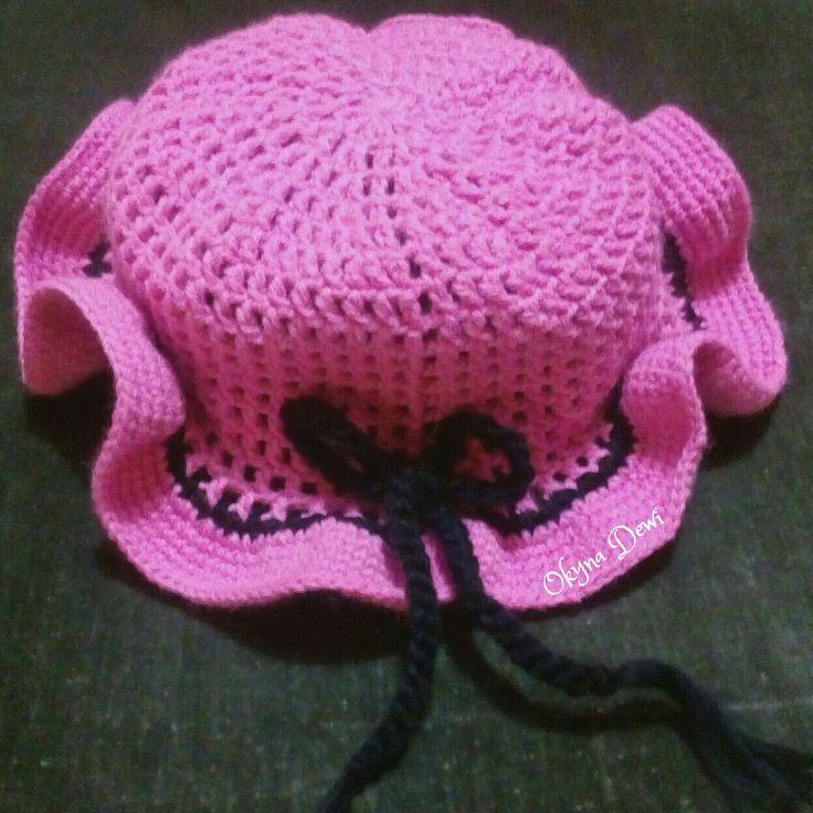 Mesh sun hat crochet for my niece, Raisa.