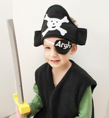DIY BOYS HALLOWEEN COSTUMES : DIY Thar Be A Pint Sized Pirate!