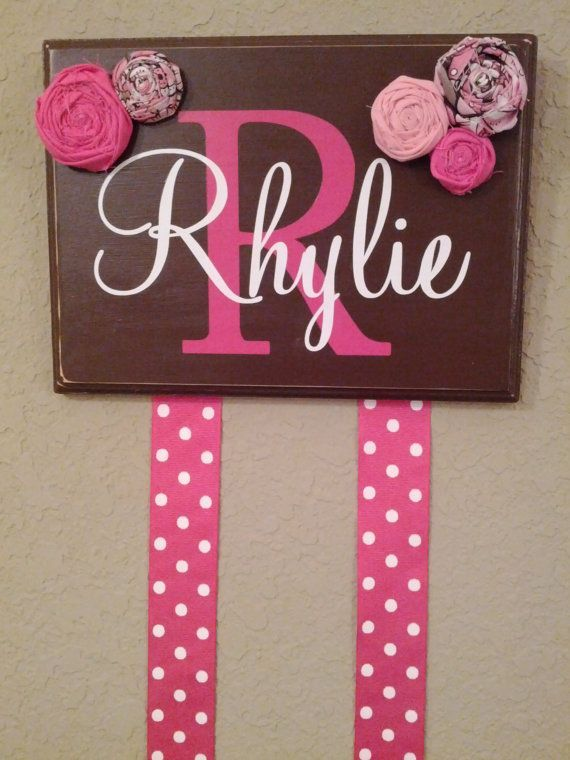 I would love to have this for my daughter Ruth! So cute!