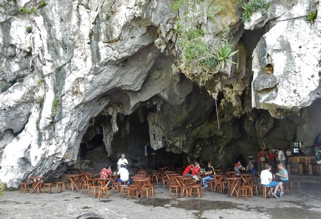 In Viñales, Cuba there's a bar inside a cave!