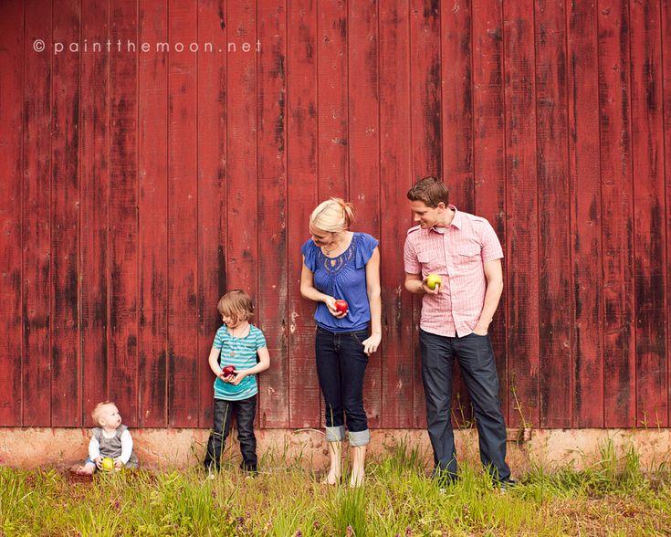 family: Photo Ideas, Family Portraits, Families Poses, Families Photography, Beautiful Families, Families Pics, Photo Shoots, Red Barns, Families Portraits