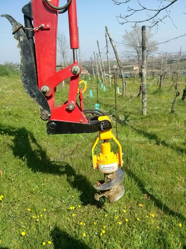 New version of TA Serie Ghedini ing. Fabio with short auger bits recommended to make holes under obstacles.