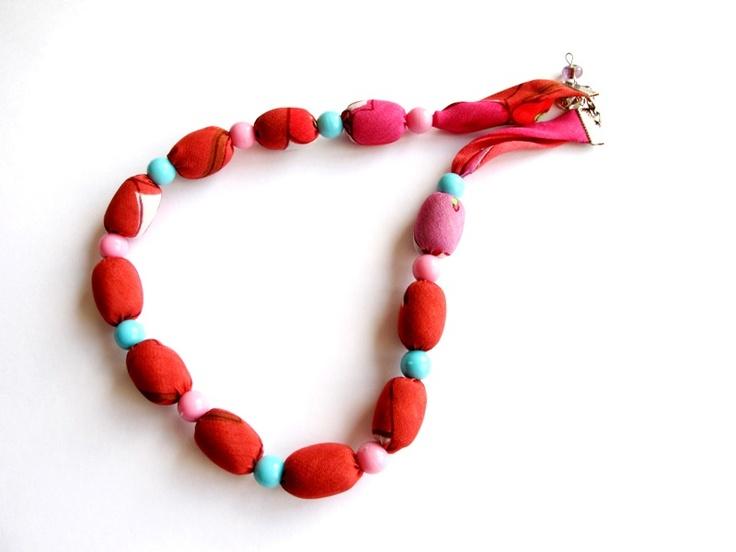 """Náhrdelník """"Kréta"""" Pestrobarevný náhrdelník z latky a velkých korálků. Délka = 52 + 3 cm"""
