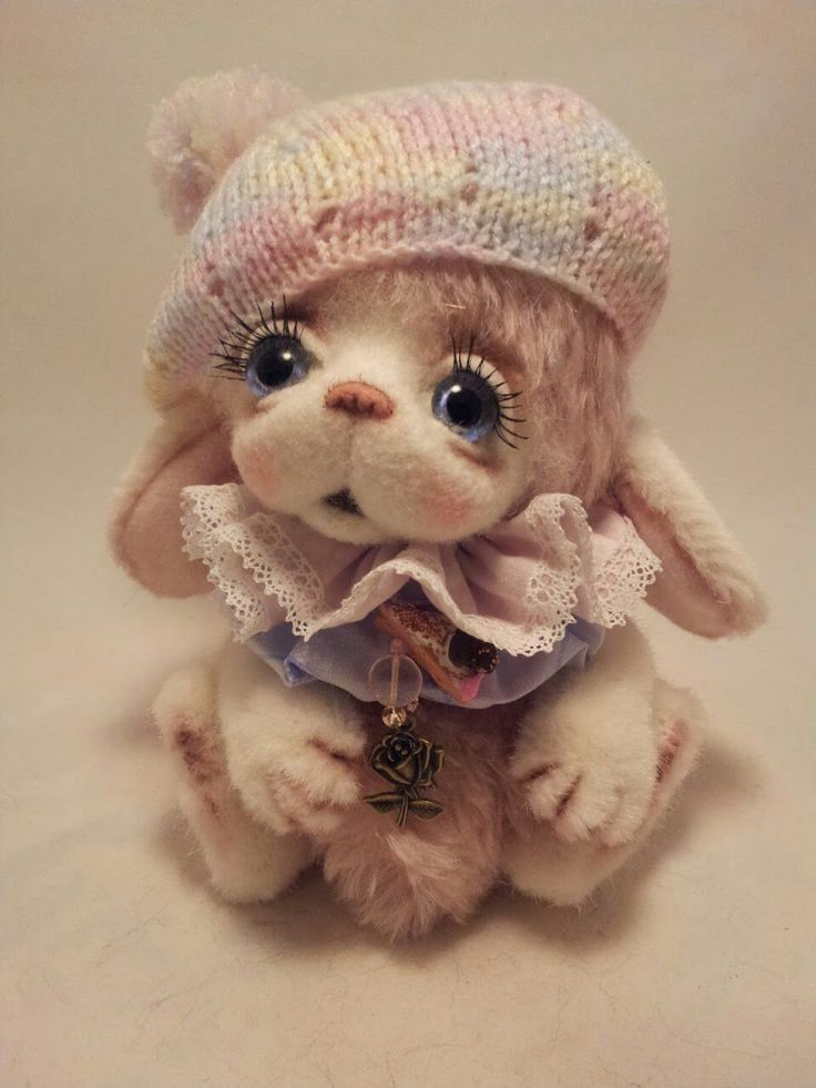 Cute Teddy bear by Victoria Ivanova