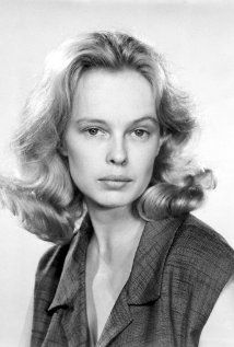 Sandy Dennis. She was in Who's afraid of Virginia Woolf  and The Out of Towners, to name a couple things she's done.