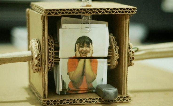 Diy Cardboard Flipbook Machine animation