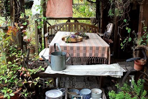 Tasha's gardenStories, Tasha Gardens, Inspiration Woman, Lady, Tudor Gardens, Station Jana, Kindred Spirit, Kei, Country