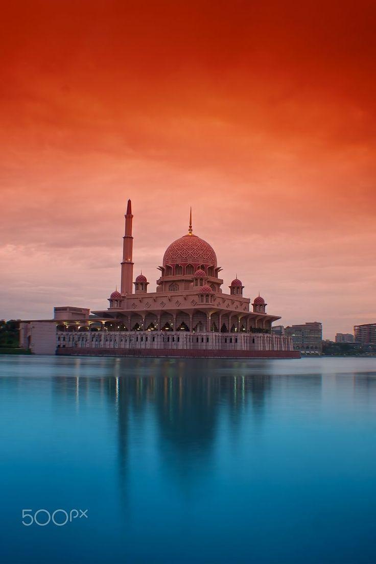 putra mosque putrajaya malaysia