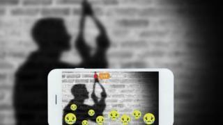 """""""Veía videos en directo por si alguien iba a matarse"""": así es la rutina de las personas que moderan contenidos denunciados como violentos en Facebook - https://www.vexsoluciones.com/noticias/veia-videos-en-directo-por-si-alguien-iba-a-matarse-asi-es-la-rutina-de-las-personas-que-moderan-contenidos-denunciados-como-violentos-en-facebook/"""