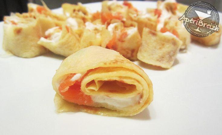 Les crêpes bretonne, ça se sert aussi à l'apéritif, en petits roulés garnis de saumon fumé et d'une crème parfumée ! http://www.aperibreizh.fr/buffet-chaud/crepes-roulees-saumon.html