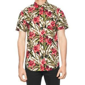 Matching floral hawiian shirt from dangerfield. I looove matching!!!!