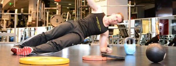 Fitness Antrenor Serban Blebea in sala la WorldClass