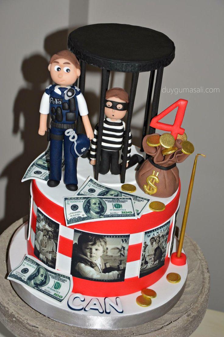 - Kahraman Polis bankadan çalınan para ve altınları bulur ve yakalanan hırsız hapsi boylar 👮🏻🚔💵💰 - CAN 4 Yaşında! duygumasali.com #fondantcake #butikpasta #edirnebutikpasta #edirnepasta #edirne #sekerhamuru #copcakes #cakestagram #instacake #money #💰 #💵 #thief #policeman #hırsızpolispasta #yummy #para #altın #polis #hırsız #handmade #homemade #birthdaycake #kidsbirthday