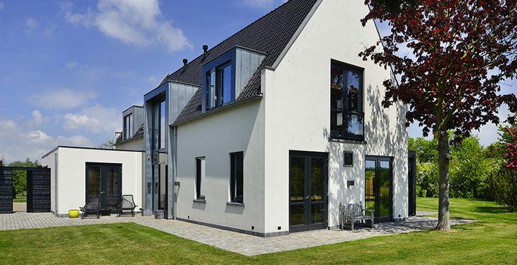 Afbeeldingsresultaat voor wit huis zwarte dakpannen huis exterieur pinterest dakpannen for Huis voor na exterieur renovaties