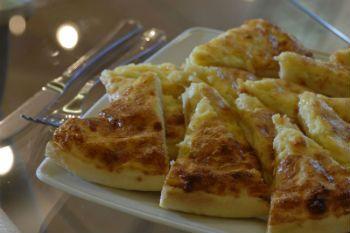 Невероятно вкусные, ароматные и безумно легкие в приготовлении грузинская лепешка с сыром. - рецепты приготовления.
