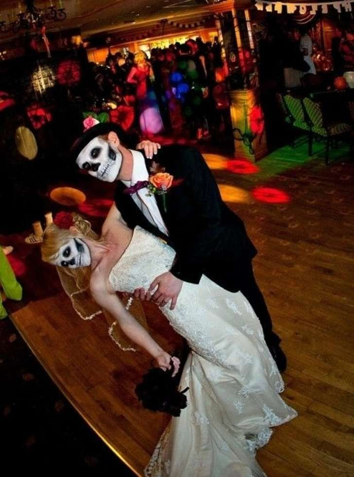 16 Spooky Reasons Why You Should Ditch Tradition and Have a Halloween-Themed Wedding - Answers.com