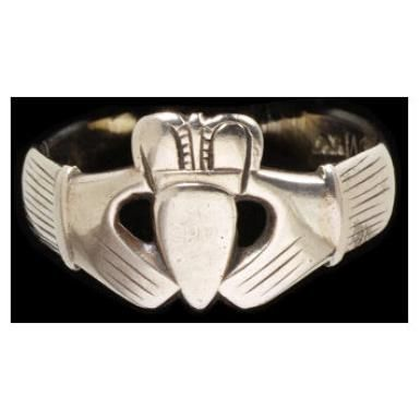 7 best Antique claddagh rings images on Pinterest