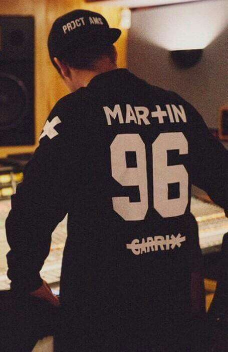 martin garrix maybe I need that Sweater too :D